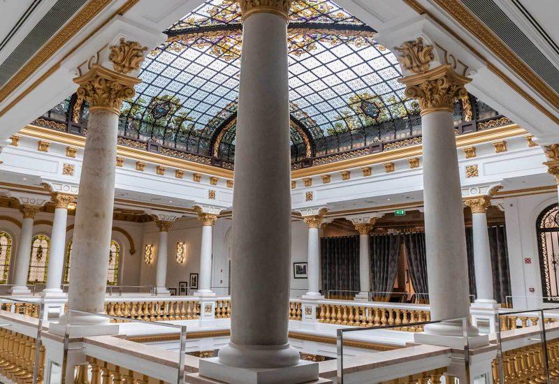 Atrio y escaleras de Casino Gran Vía