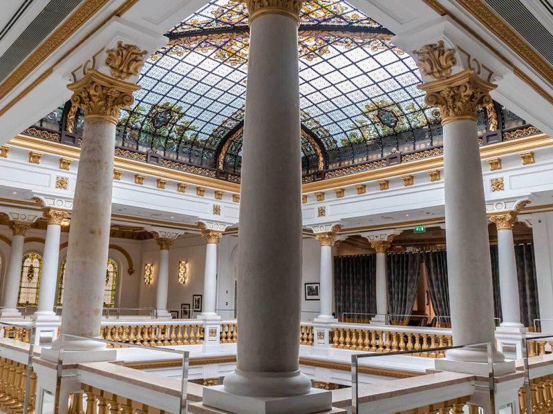 Atrio y vitral de Casino Gran Vía