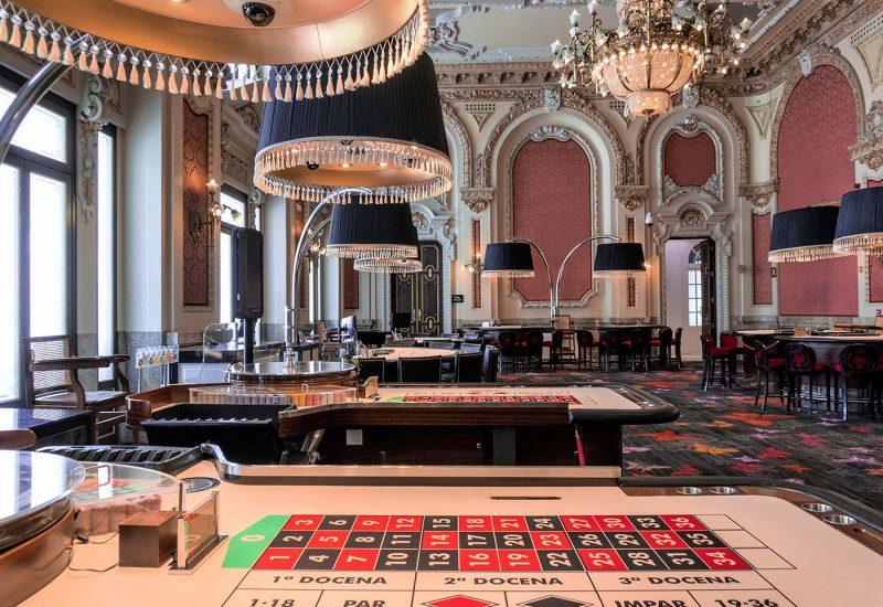 Mesas en el Salón Real